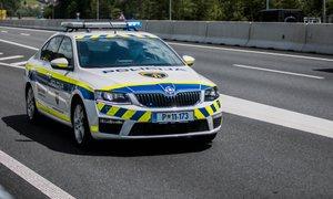 Policisti ujeli voznika z avtomobilom, ki ga že štiri leta ni registriral