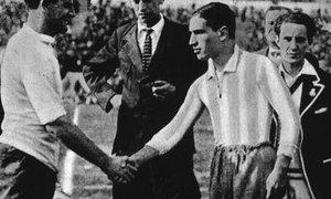 Pred finalom SP 1930 navijačem odvzeli 1600 revolverjev in pištol