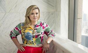 Kelly Clarkson na sodišču, podjetju nekdanjega tasta dolguje milijon evrov