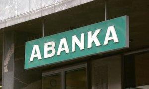 SDH pred odločitvijo o prodaji Abanke
