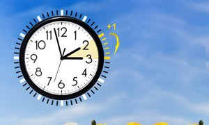 'V primeru ukinitve premikanja ure bo v Sloveniji obveljal standardni zimski ...