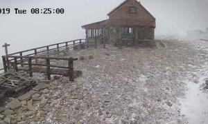 Pred dnevi na Braču nad 20 stopinj, danes pa sneg