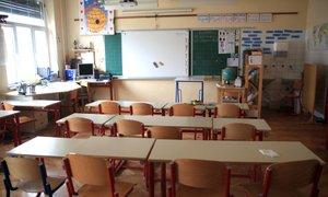 Srednješolci se v tem šolskem letu ne bodo vrnili v razrede