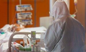 Po več kot tednu dni v Italiji manj kot 700 novih žrtev koronavirusa