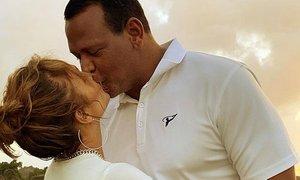 J.Lo objavila romantične fotografije