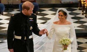 Poroka Harryja in Meghan prinesla milijardo dobička
