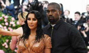 Kanye ženi Kim čestital za naziv milijarderke, oboževalci zgroženi