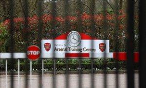 V Angliji na treningih zdaj tudi kontakti, vrnitev Premier League vse bliže