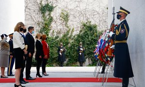 Pahor z veleposlaniki zavezniških držav obeležil obletnico konca druge svetovne ...