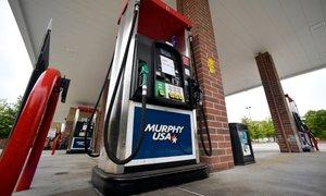 Hekerski napad na ameriški cevovod povzroča pomanjkanje bencina