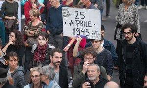 Na ulice Gorice neofašisti in antifašisti, obmejni prebivalci ogorčeni