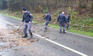 V pravem trenutku na pravem mestu: pravosodni policisti priskočili na pomoč