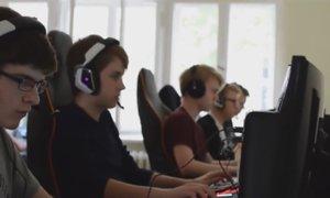 Mladi Slovenec pustil šolo, sledil sanjam in spisal zgodovino računalniških iger