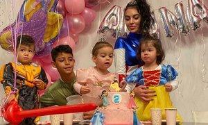 Ronaldova hčerka praznovala dve leti, očeta ni bilo na zabavi