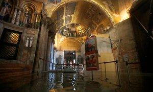 Benetke pod vodo: mozaike iz Bazilike svetega Marka odplaknilo v kanalizacijo