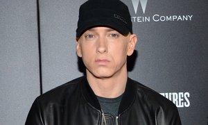 Raper Eminem s spornim besedilom užalil družine žrtev terorističnega napada