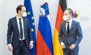 Logar: Slovenska vlada Bidnu ni čestitala