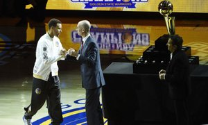 Curry dvomi v pristanek astronavtov na Luni, Nasa ga vabi na obisk