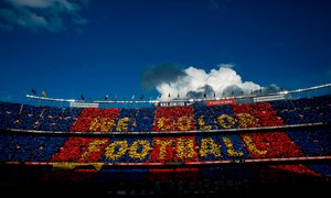 Barcelona ne popušča v 'cenovni vojni' z Manchester Unitedom