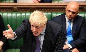 Po še enem udarcu Johnsonu Britanci vse bližje predčasnim volitvam