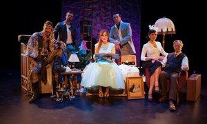 Trije tekmovalci šova Zvezde plešejo združeni v novem muzikalu