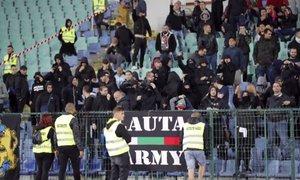 Policisti aretirali štiri bolgarske navijače, ki so žalili angleške nogometaše