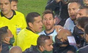 Med prerivanjem Messi nad rojaka: Kaj ti je, pleško?