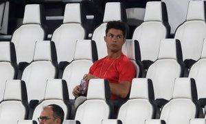 Ronaldo se po okužbi 'sonči', selektor trdi, da je spoštoval ukrepe