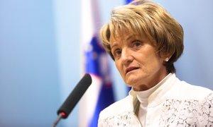 Sodišče zavrnilo Setnikar Cankarjevo: od države zahtevala odškodnino in javno ...