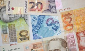 Nižji DDV – tudi nižje cene ali več v žepe trgovcev?