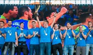 'Radodarna vlada': srebrnim odbojkarjem 'nagrada' v višini 50.000 evrov