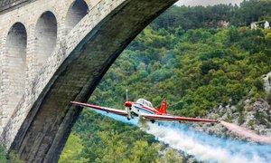 Benjamin Ličer spektakularno poletel pod kamnitim solkanskim mostom