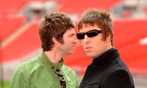 Liam Gallagher na ukaz mame na poroko povabil brata Noela