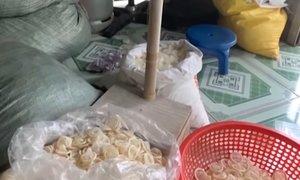 V Vietnamu zasegli 345.000 rabljenih kondomov, ki so jih očistili in prodajali ...
