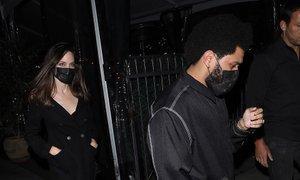 Angelina Jolie in The Weeknd znova opažena skupaj na večerji