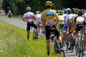 Kako kolesarji na Dirki po Franciji med etapo urinirajo?