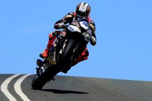 Jubilejni 100. Isle of Man TT - dirka, na kateri se napake plačujejo z ...