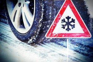 Tako se lahko pozimi vozite brez zimskih gum in se izognete kazni