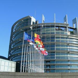 Prenos direktiv v dva bančna zakona pripravljen za sprejem