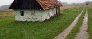 Tako stare hiše nimajo uporabnih dovoljenj. Kako je ob prodaji?