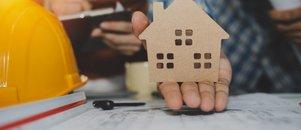 BLOG: Z idejno zasnovo za gradnjo hiše bova pristopila k ponudnikom