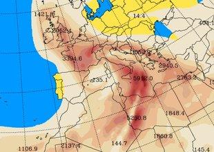 Prihajajo padavine, skupaj z njimi pa tudi večja količina puščavskega peska