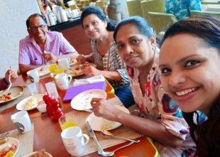 Žrtve napadov v Šrilanki: zvezdniška kuharica, otroci danskega milijarderja, ...