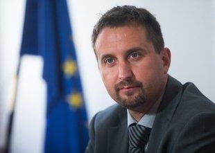 Svet AVP Bratuškovi predlagal razrešitev Igorja Velova