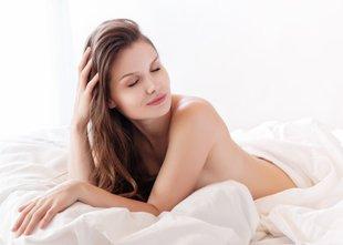 3 nočni lepotni tretmaji za sijočo in mehko kožo