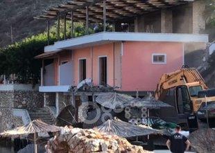 Oblasti porušile restavracijo gostinca, ki je napadel španske turiste