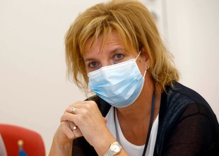 2292 novih okužb. Beovićeva: Število okuženih se bo povečevalo