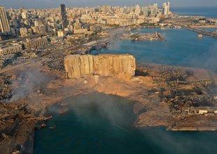 Mineva leto dni od silovite eksplozije v pristanišču Bejruta