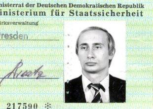 V arhivu Stasija odkrili Putinovo izkaznico