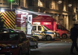Po streljanju v Strasbourgu: trije mrtvi, storilec še vedno na begu